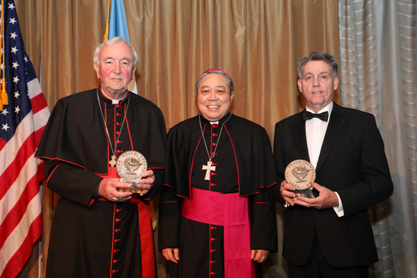 Path to Peace Gala Attendees Honor the Santa Marta Group
